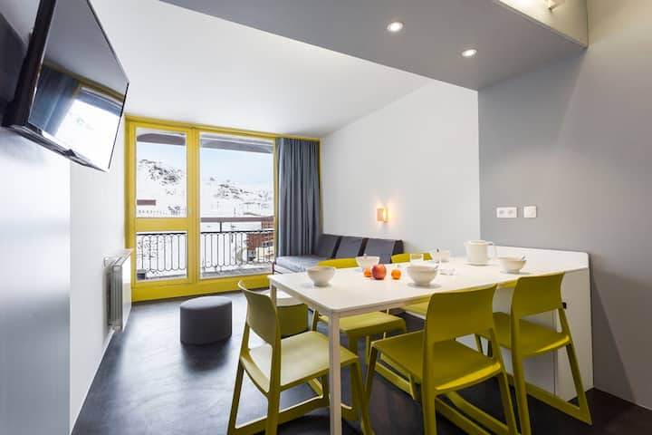 Renovated studio, in a quiet residence with direct access to the slopes