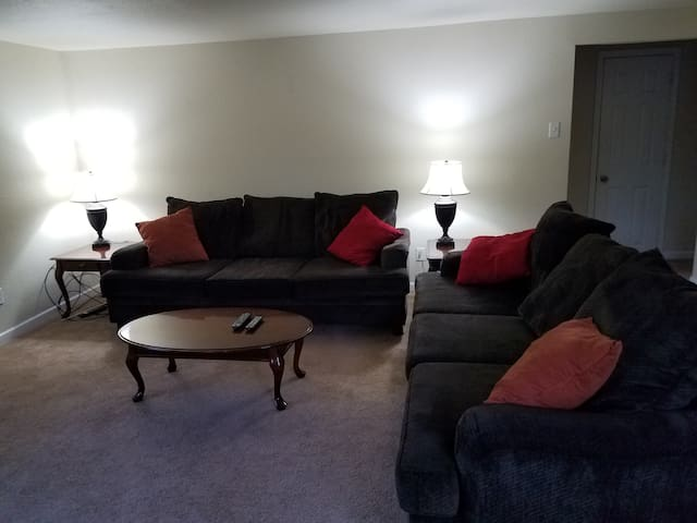 High End 2 bedroom Apt, Appleton