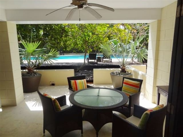 Stylish 1 bedroom gated condo with pool