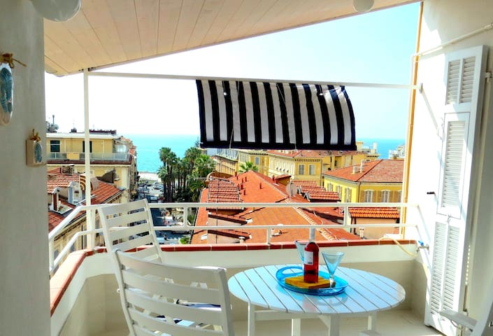 lovely attic with panoramic terrace - Sanremo - Byt