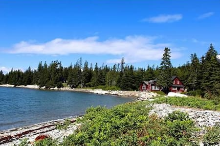 Sea Wall Cottage and Optional Cabin Rental - Deer Isle - Ház