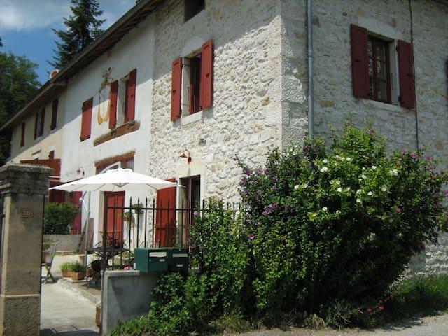Bienvenue / Willkommen - Brégnier-Cordon - House