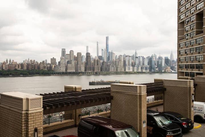 Entire Apt West NY 2Bedroom 1.5 Bath Balcony NJ 10