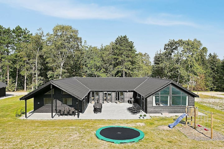 Quaint Holiday Home in Frederiksværk With Swimming Pool