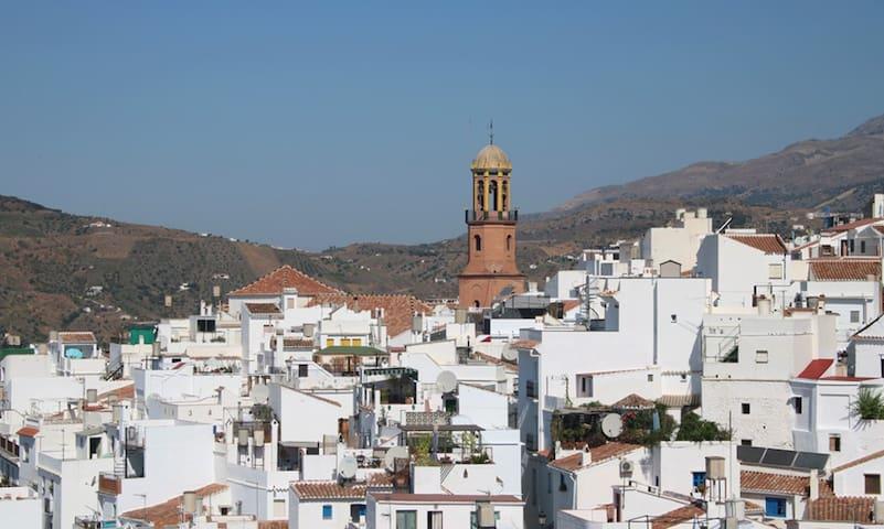 Kerktoren van Cómpeta