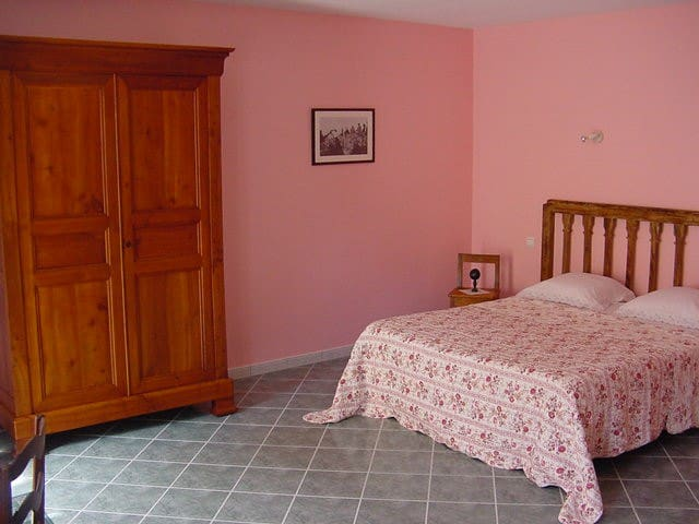 Chambre n°3 - Vézinnes - Bed & Breakfast