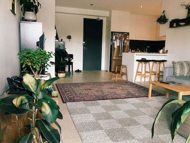 Marrickville Apartment - Experience All Of Sydney