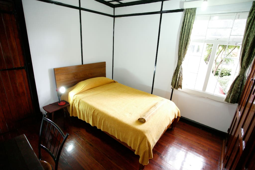 Apartment single double bed bedroom