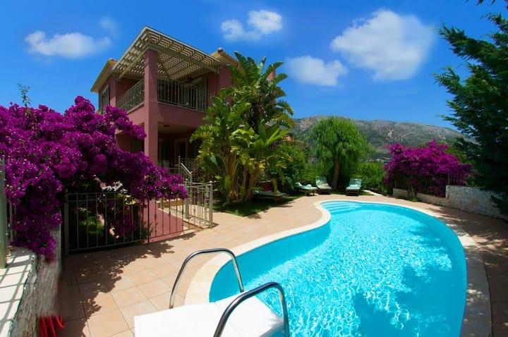 Stamoulis Villas (villa Ianthi)