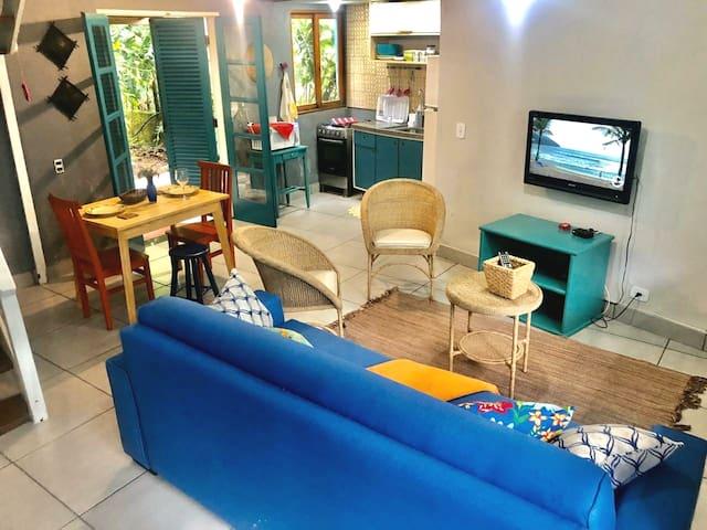 Casa com 2 suítes  em Camburi