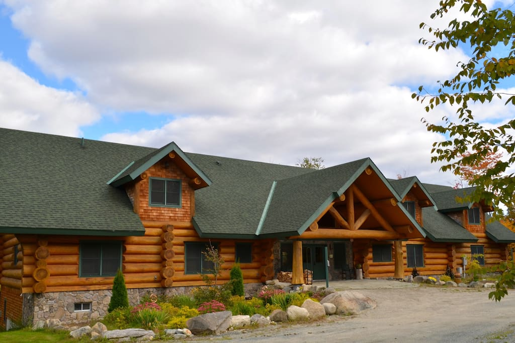 Beautiful log cabin b b bed breakfasts for rent in for New hampshire log cabins