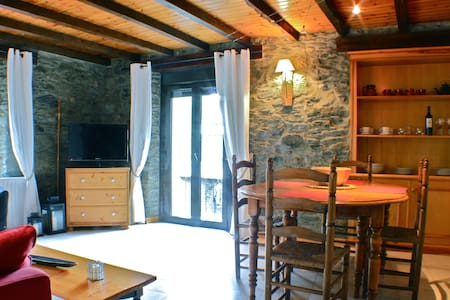 Charming 2 Bd Apartment in Vallnord - Byt