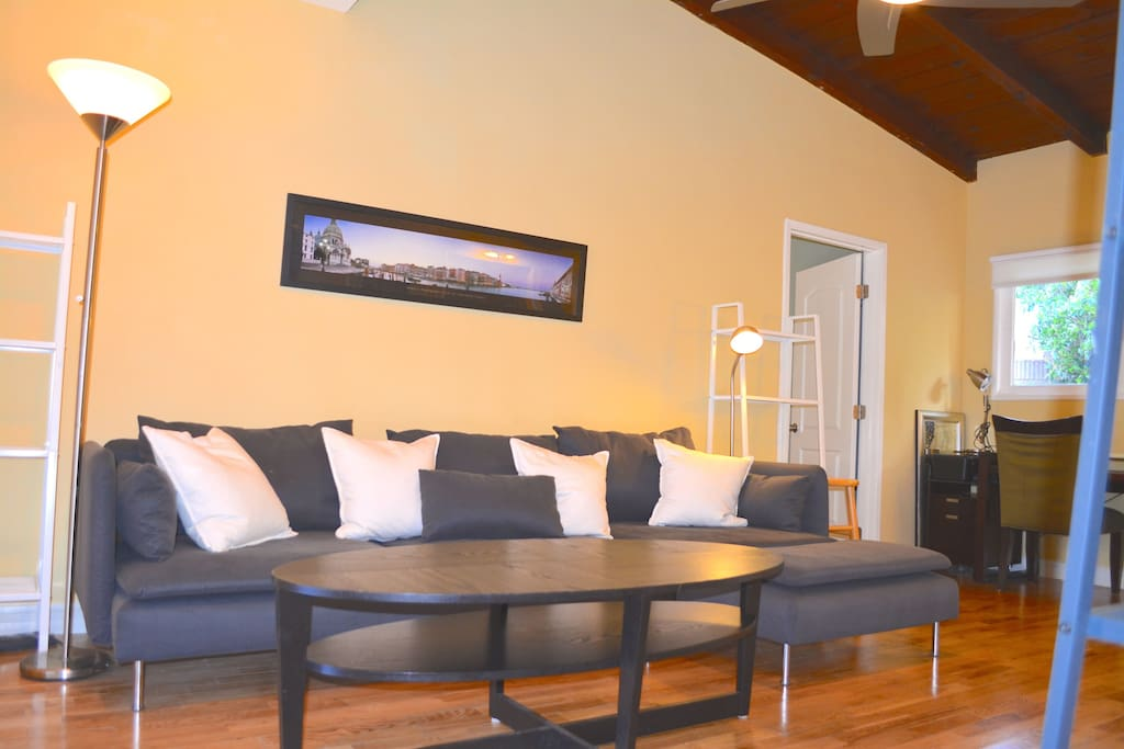 2 Bedroom Apartments In Los Angeles Of 2 Bedroom Minutes To Venice Beach Apartments For Rent In