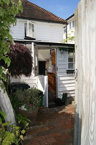 Snugg Cottage - Robertsbridge - House
