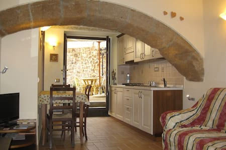 Cozy apartment near the Duomo (for 2)