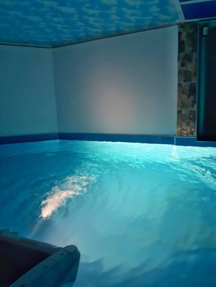 Villa ponyboy  - jijel F3 avec piscine intérieur