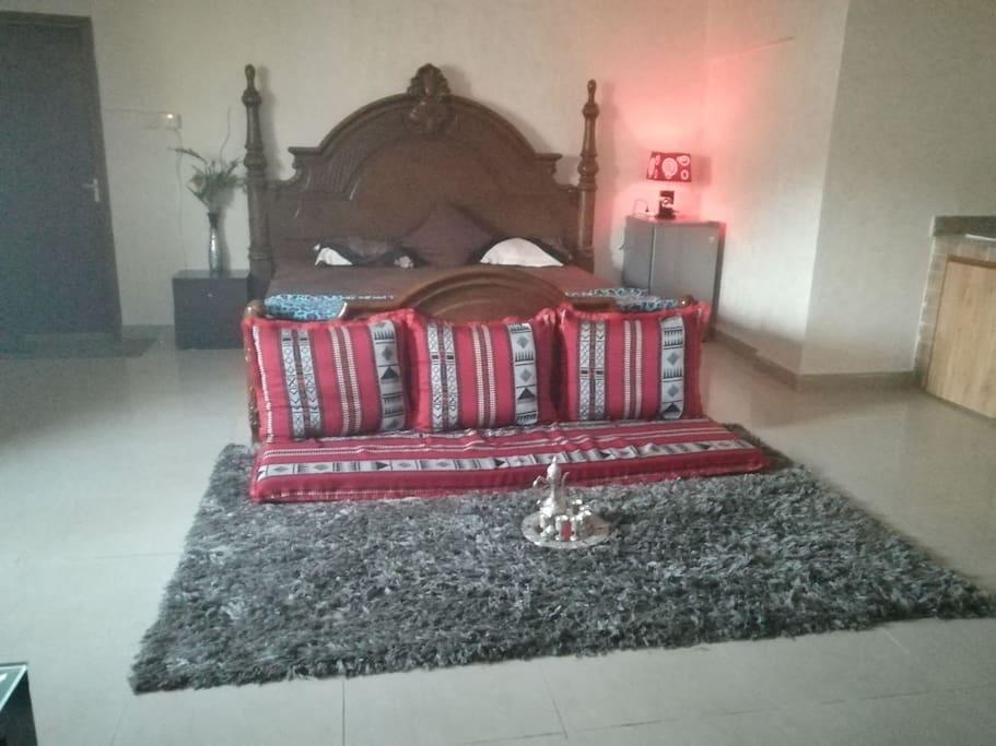 Traditional omani bedroom king size huge bed
