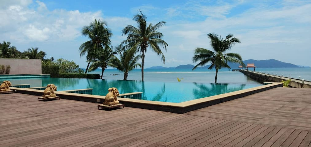Luxury Seaview  - Infinity Pool