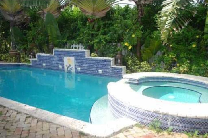 Passe 4br Villa With pool