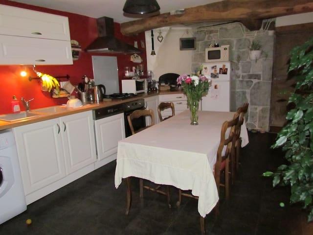 Charmante maison de village - Lombard - Hus
