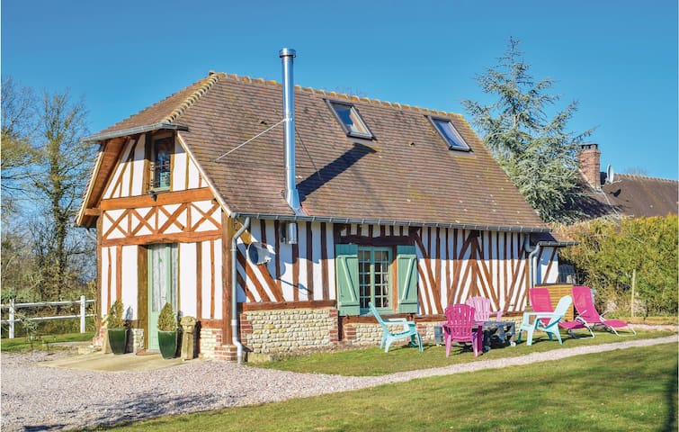 Holiday cottage with 2 bedrooms on 70m² in Boissey