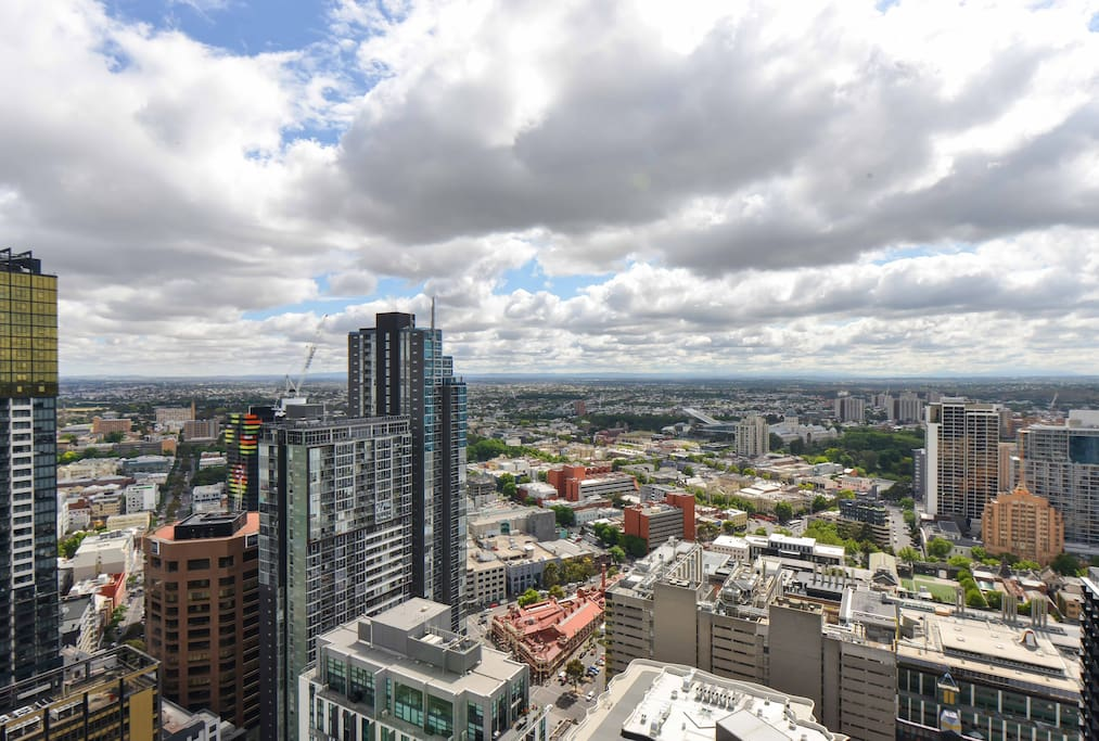 Actual view, Skyhigh 1BRD apartment in central Melbourne CBD