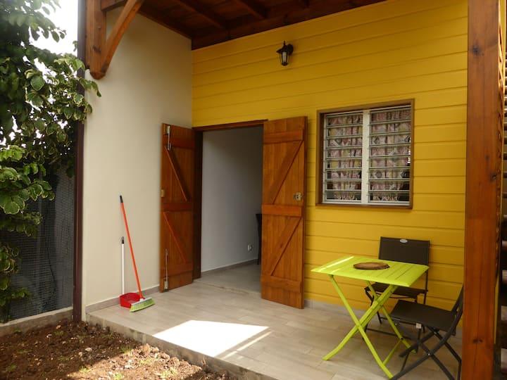 Duplex studio Climatisé à 200m de la plage