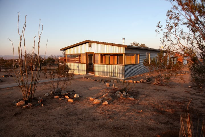 Western Modern Desert Retreat
