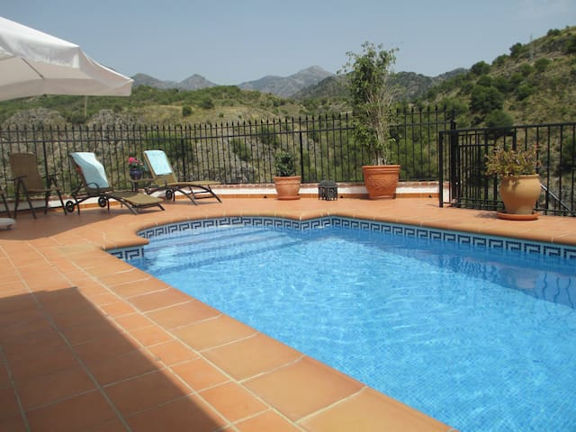 Townhouse with pool and seaviews  - Frigiliana - House