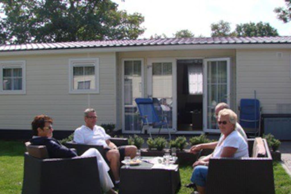 Vier Oud & Nieuw in een chalet op Campingpark Ons Buiten!