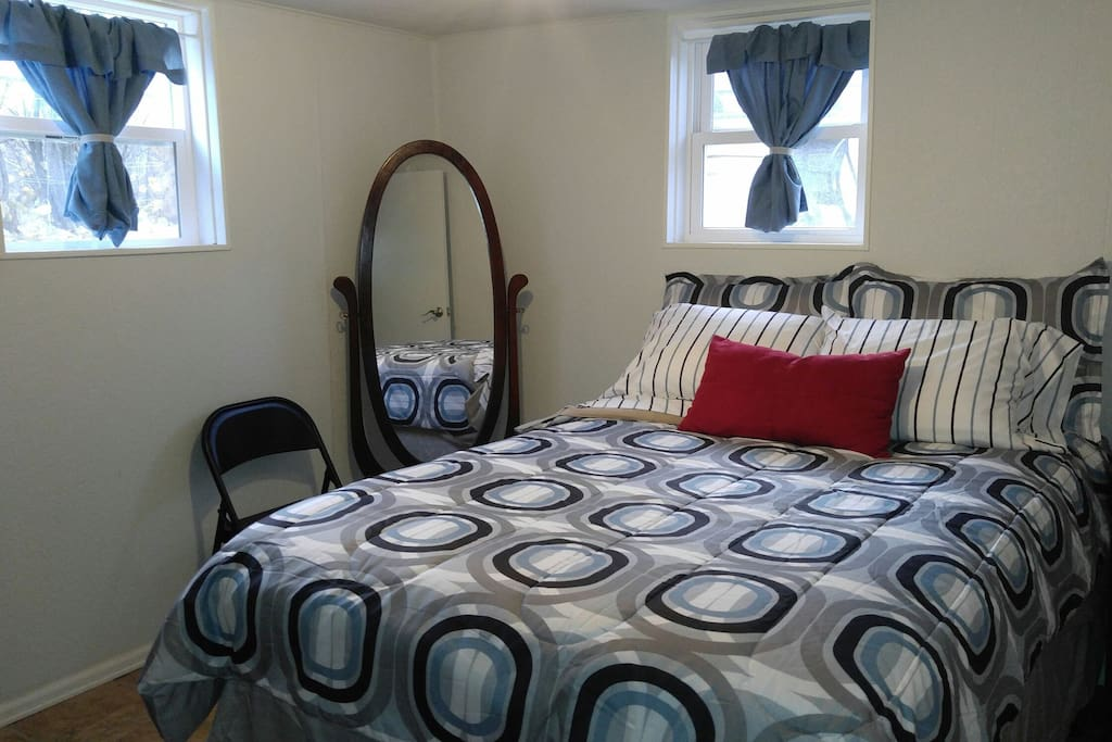 bedroom tree area apt w gas stove for rent in laramie wyoming
