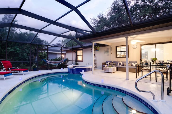 Pool home close to beach and downtown - Bonita Springs - Casa