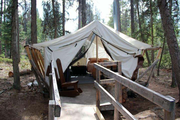 "Lakeside ""Glamping"" at Stillwater Getaway.tent 3"