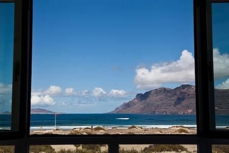 Luxury House in the Beach Lanzarote - Caleta de Famara