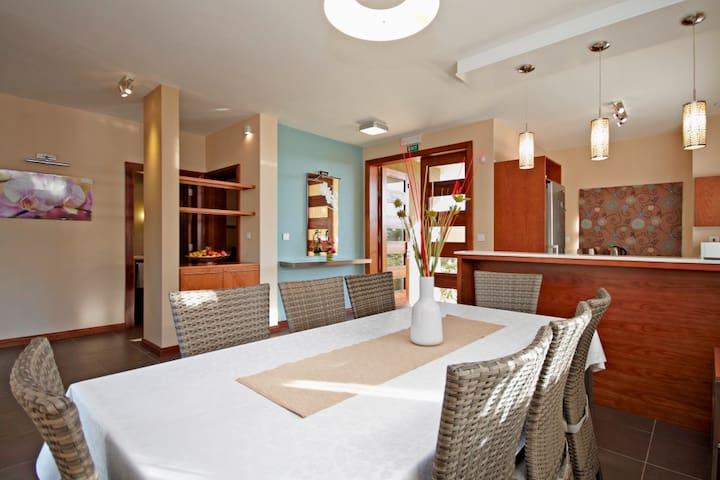 Villasun 4-Bedroom Villa - Flic en Flac - Villa