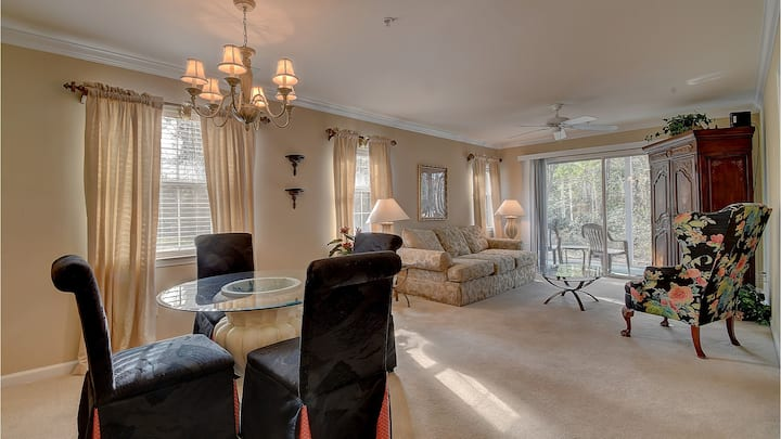 10TH Hole Condo- Great for Golf Getaway