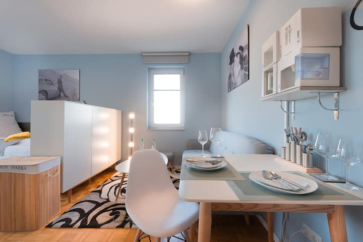 Flat combines functionality with living flair