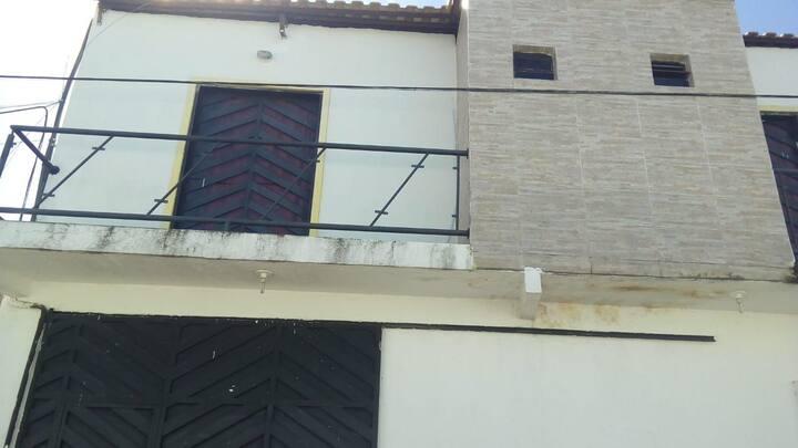 quarto em duplex próximo triângulo Crajubar.