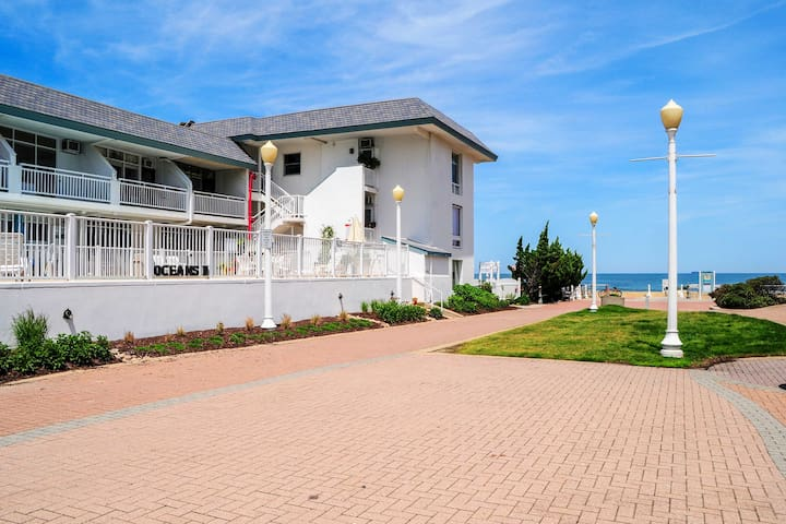You'll never forget your vacation in Virginia Beach!