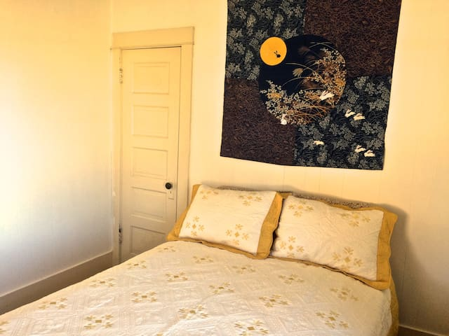 Yellow Bedroom, double bed