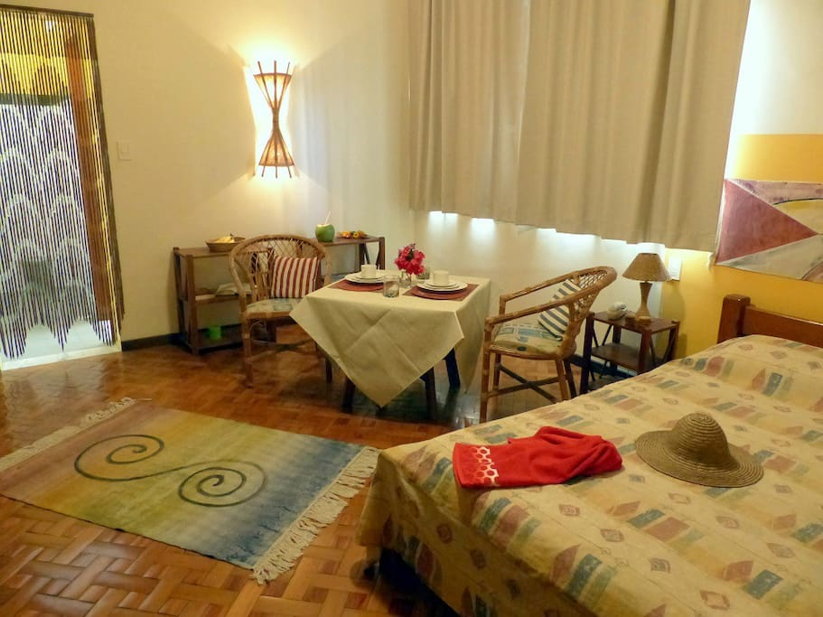 Our atmospheric Apartment #3 with kitchen, ar, Sat-TV, WiFi 35MB, room safe, daily service