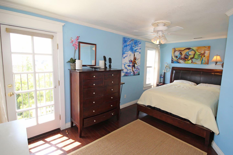 Blue room private deck 12,000 mattress