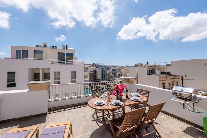 GetawaysMalta_Sea Spray Penthouse with terrace