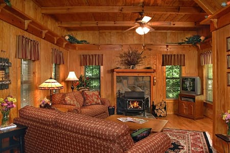 Cottontail Cottage-Woods Private Mountain View - Clayton - Hytte