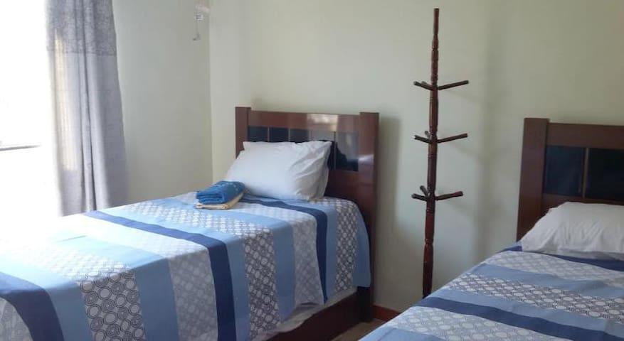 Quarto de Solteiro com 2 camas - Duque de Caxias - Dormitório