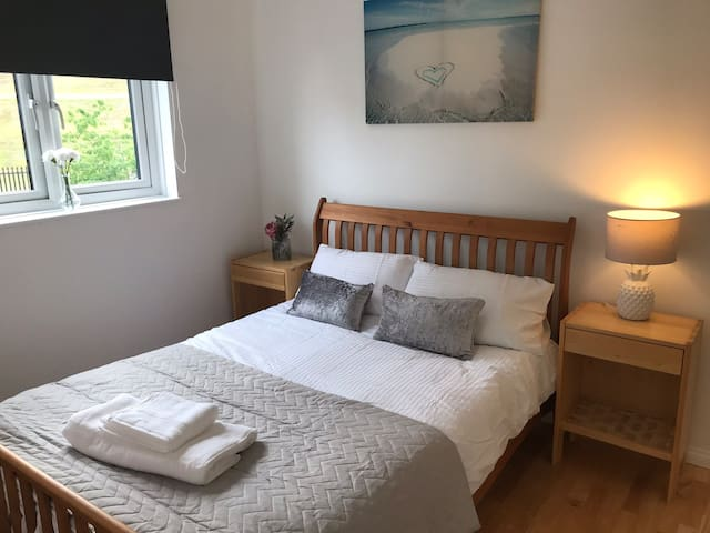 Airbnb: Stunning Apartment 30mins into London.