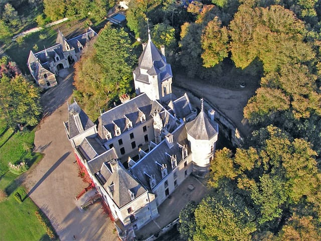Family suite Avelon in the castle - Ternay - Bed & Breakfast