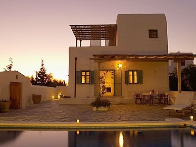 Villa Helidoni, chlorine free pool, quiet location - Lachania - Huvila