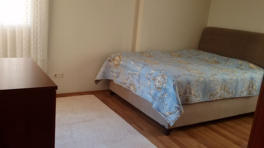 Ensuite Room for Couples in Maltepe