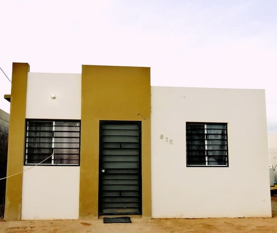 Private House near Airport and Shopping Mall